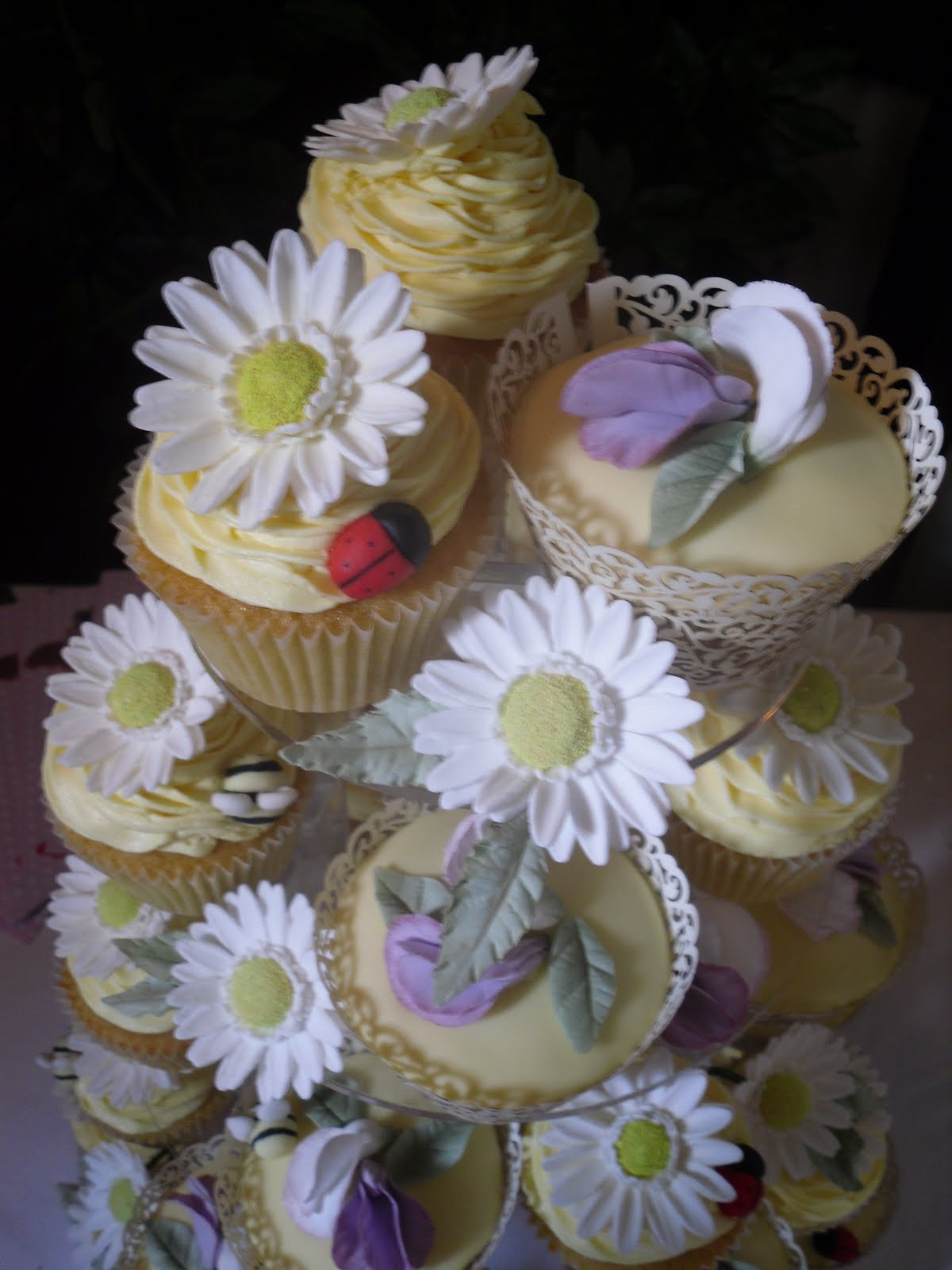 Katies Cupcakes Sweet Pea and Daisy Wedding Cupcakes