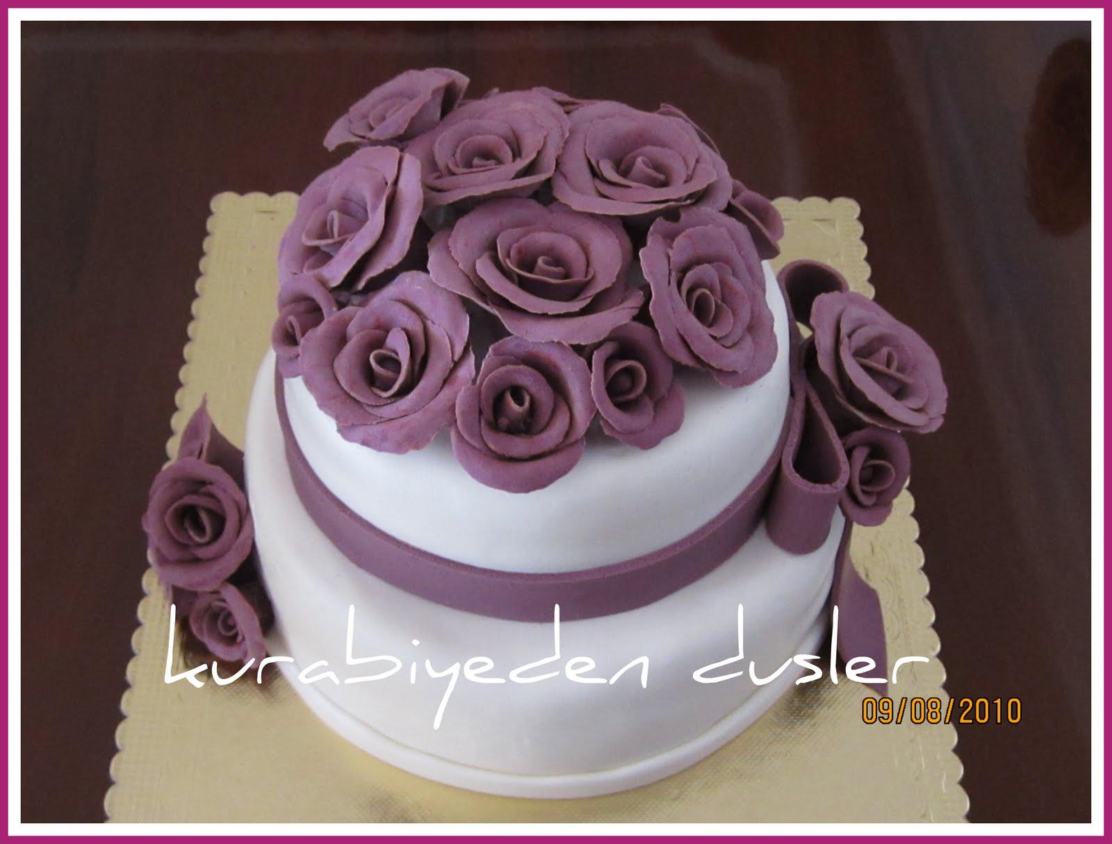 Nişan pastası ve kurabiyeleri