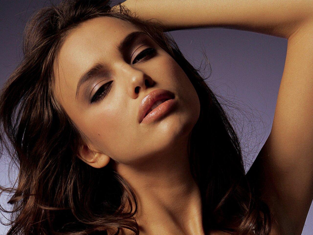 http://4.bp.blogspot.com/_U9h1I__aI2c/TTt2ynziTHI/AAAAAAAACZg/Xnu8QFU3B5g/s1600/Irina-Shayk-003.jpg