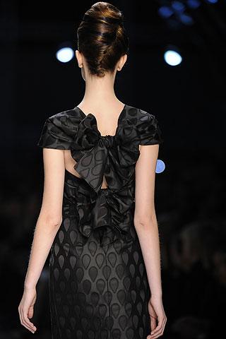 [ysl+bow+dress+back.jpg]