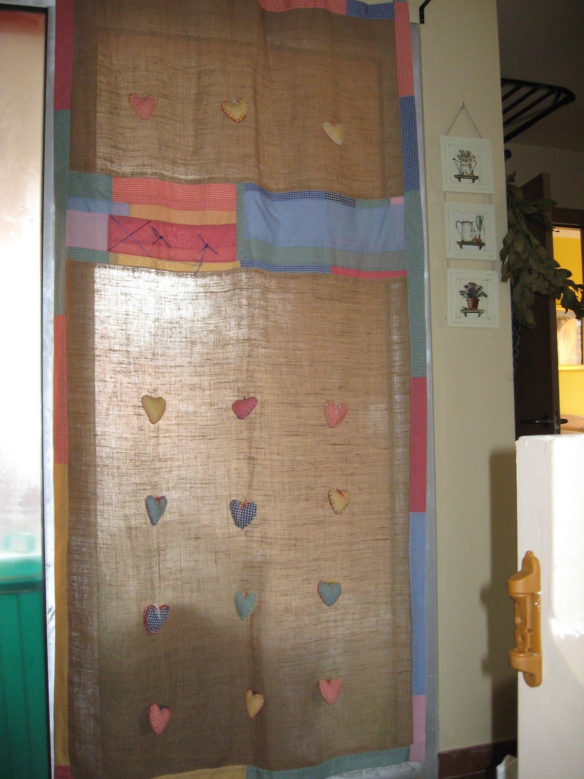 Las cosas de marita cortina de patchwork for Cortinas de tela de saco