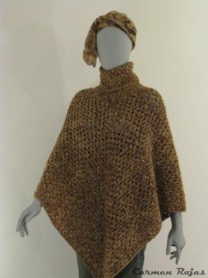 Poncho cuello beatle tejido a crochet, en lana