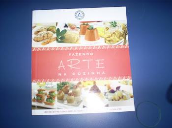 Vendo Livro Fazendo ARTE na Cozinha