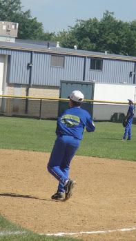 Emerson na primeira base