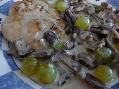 Ris de veau et champignons des bois sauce à la crème et au vin blanc