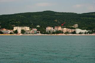 апарт-отель Bendita расположен в трех минутах ходьбы от морского пляжа