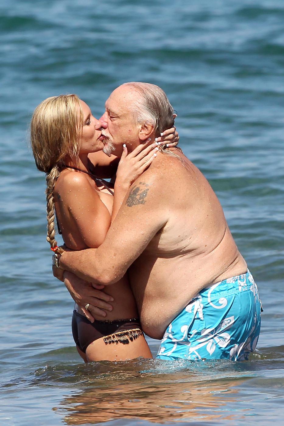 jenna bentley sugar beach 2 Older Women Fucking Younger mature anla women com