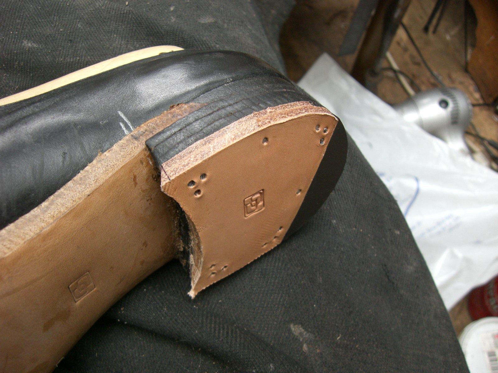Как сделать каблук на сапогах