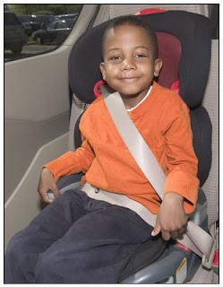 Uso del cinturon de seguridad obligatorio en todos los pasajeros. Unidad de seguridad vial inspecciona junto con las intendencias. Ley de seguridad vial. Maneje con cuidado. Precauciones y responsabilidad. Asesores y corredores de seguros te invita a estar siempre informado