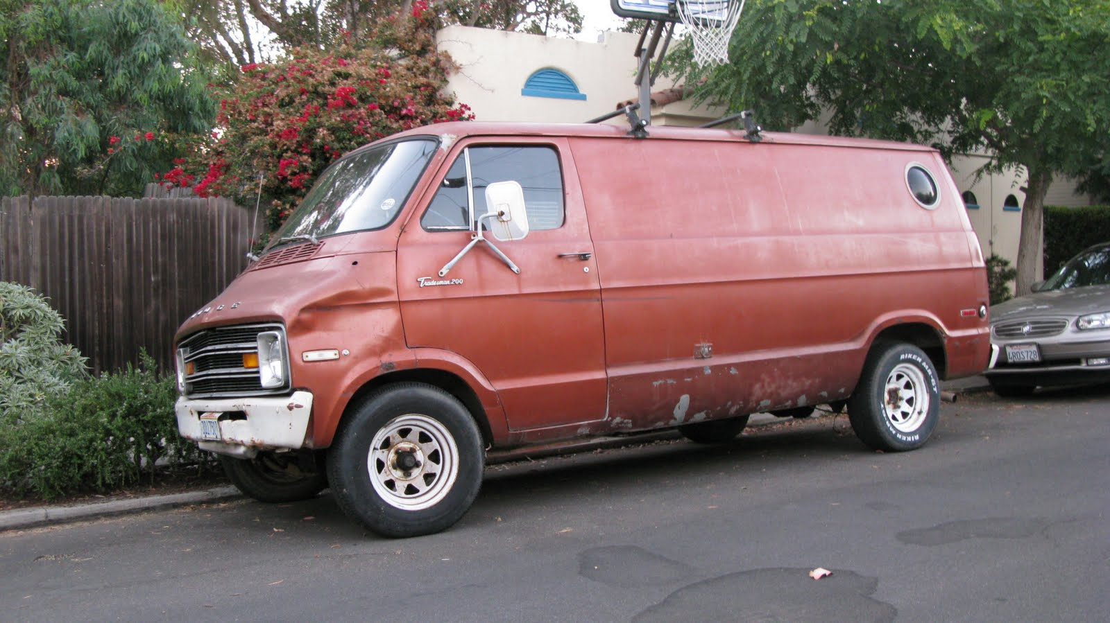 The Street Peep 1975 Dodge B Series Tradesman