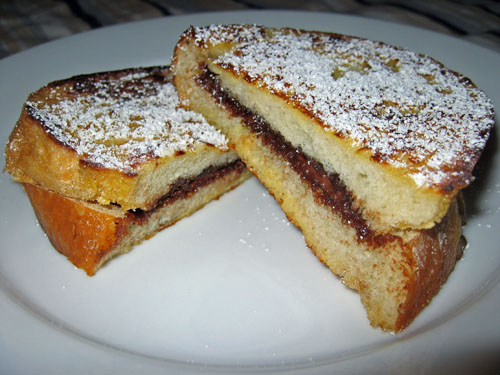Nutella Stuffed French Toast on Closet Cooking