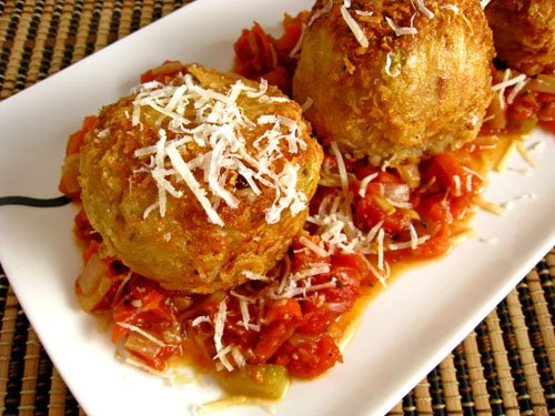 Arancini di Riso (Rice Balls) in Marinara Sauce