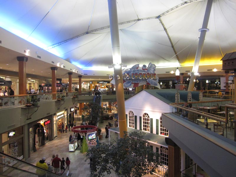 Knoxville Center is located in Knoxville, Tennessee and offers stores - Scroll down for Knoxville Center shopping information: store list (directory), locations, mall hours, contact and address. Address and locations: Knoxville Center Dr, Knoxville, Tennessee - TN - /5(24).