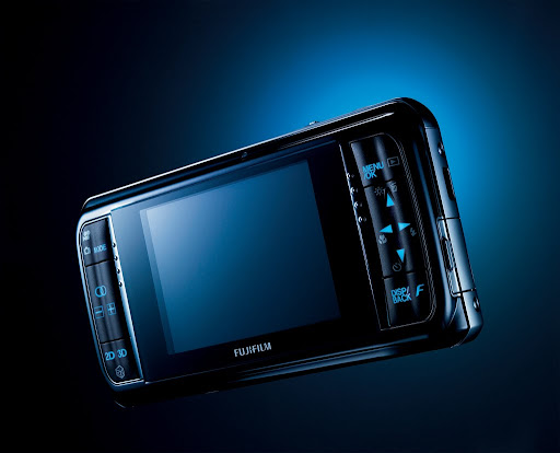 FUJIFILM FinePix Real 3D W1 camera shoots 10-megapixel 3D images
