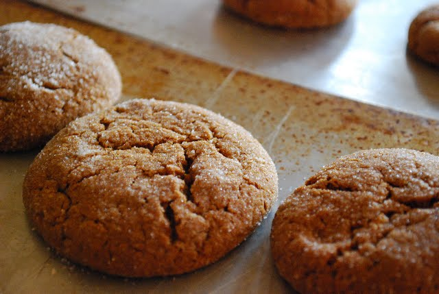 pacific thyme: Soft and Chewy Molasses Spice Cookies