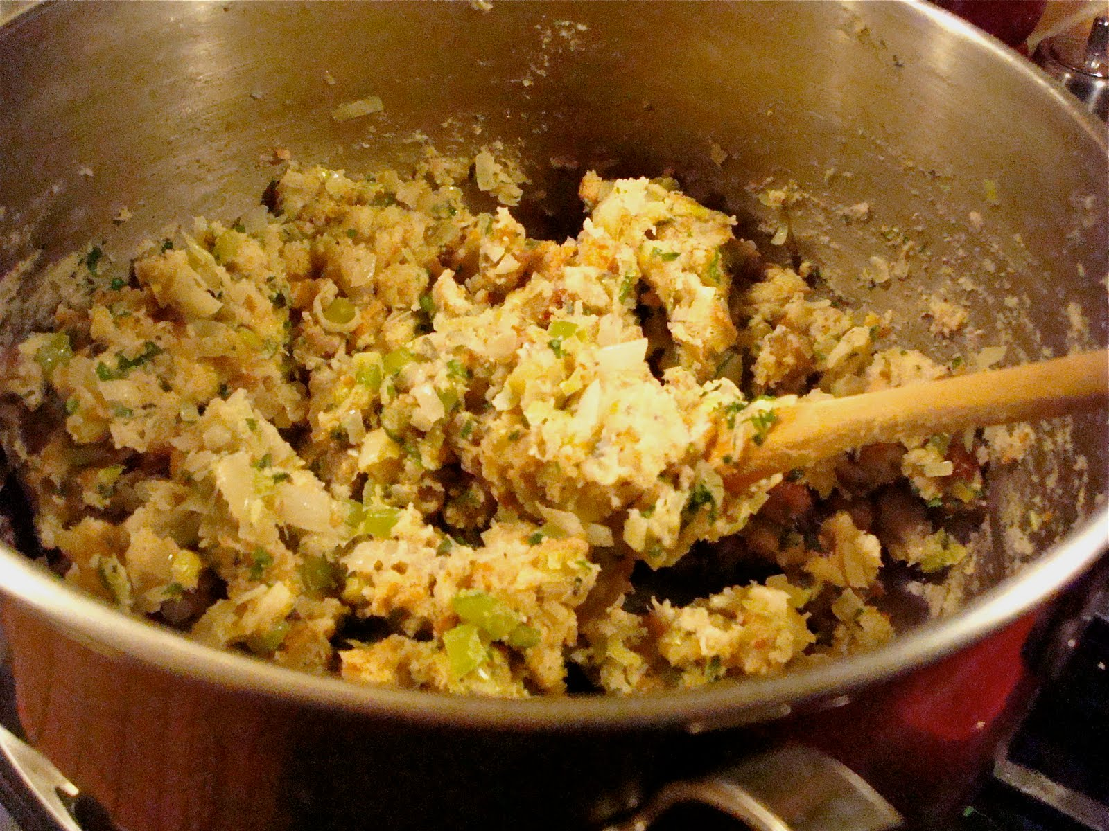 Beach Eats: Recipe for Herbed Bread Stuffing