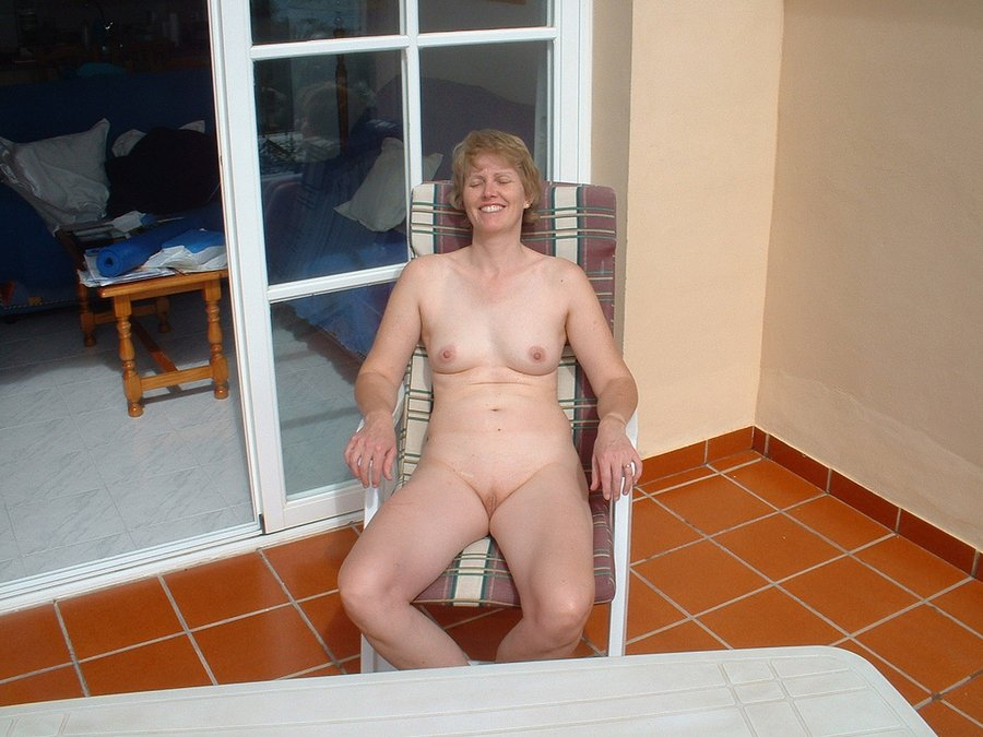 Grandmas shaved pussy