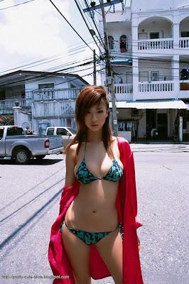 Hoshino Aki in Thailand