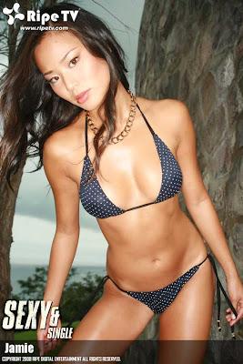Jamie Chung : Sexy Model