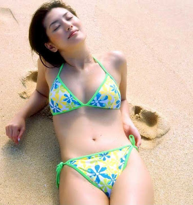 Haruna Yabuki : Beautiful boobs on beach