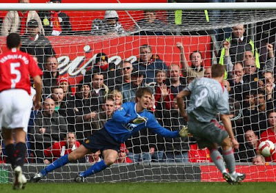 Steve Gerrard puts Liverpool ahead at Manchester United with a penalty