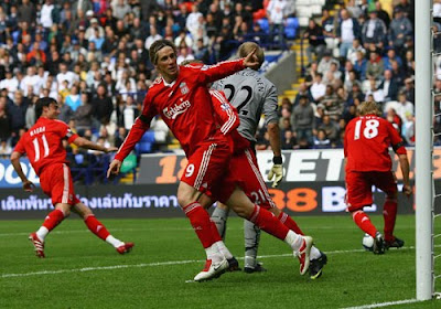 Fernando Torres of Liverpool celebrates after scoring the second goal