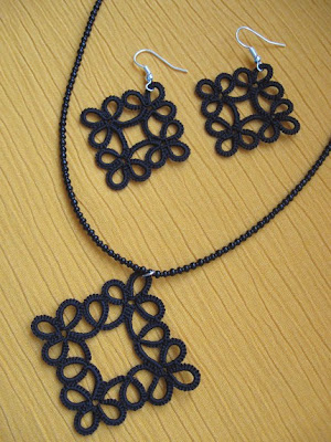 Tatted Necklace and Earring Set with seed beads tatting
