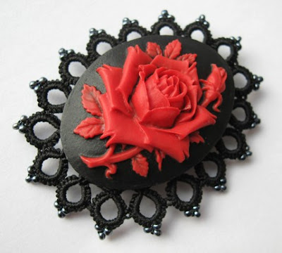 brooch tatting, tatted, lace, cabochon tatted