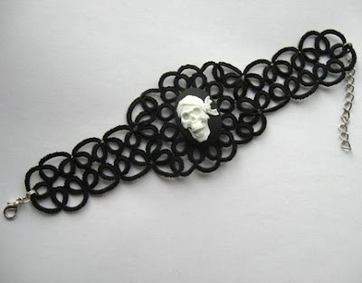 tatted bracelet, tatting, tat, frivolite lace