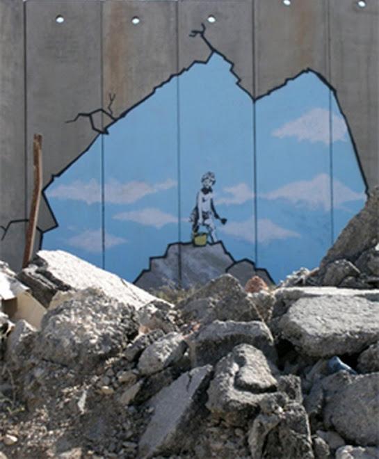 """EN EL MURO CONSTRUIDO POR ISRAEL EN PALESTINA, BANKSY """"ABRE"""" UN HUECO, SE VE EL CIELO..."""