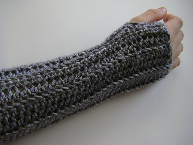 Crocheting With Arms : sew ritzy~titzy: back loop only arm warmers & wonky heels
