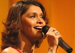 Sa Re Ga Ma Pa on Zee TV anchor of the marathi song show pallavi joshi