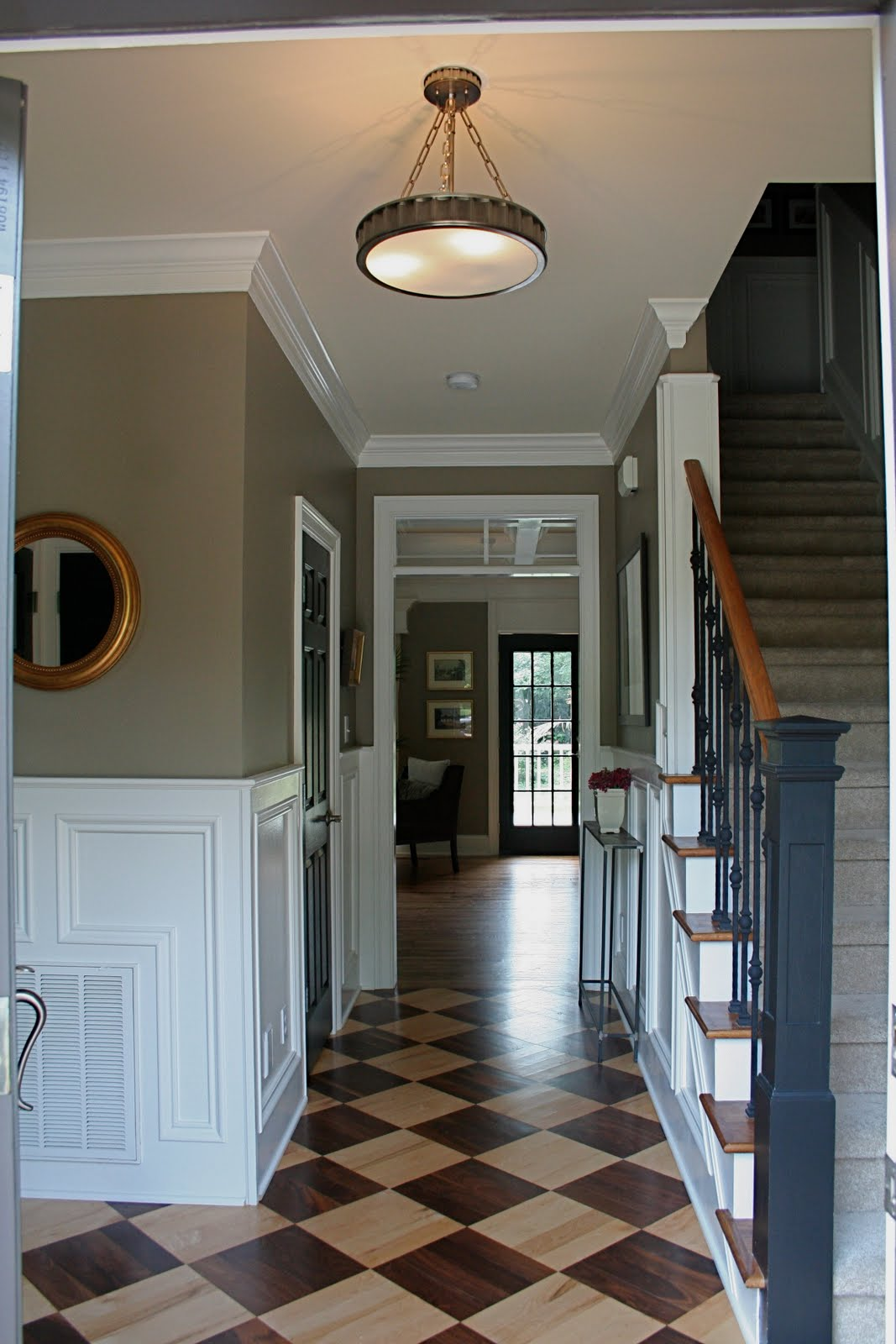Foyer Wall Colors : Decor dreams august
