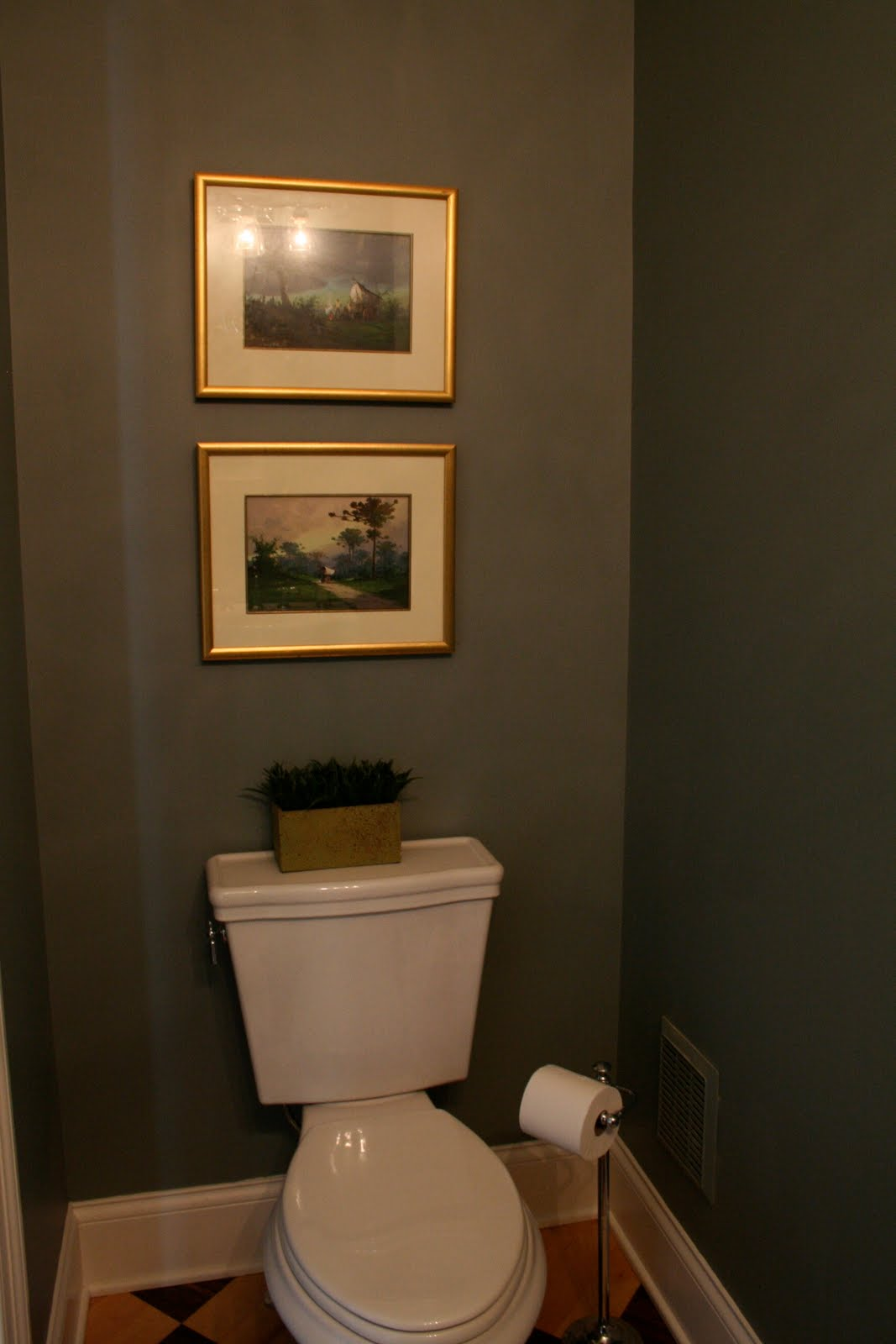 Design dump house 5 powder room before after for Small toilet room ideas