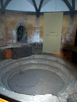 Roman Bath At Evora