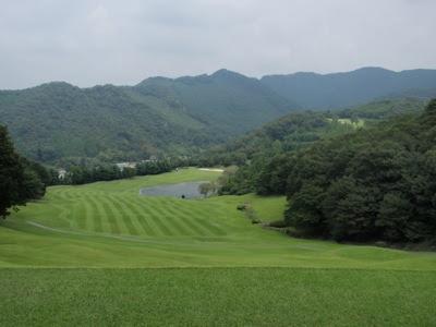 Golf in Japan, Tsutsujigaoka CC