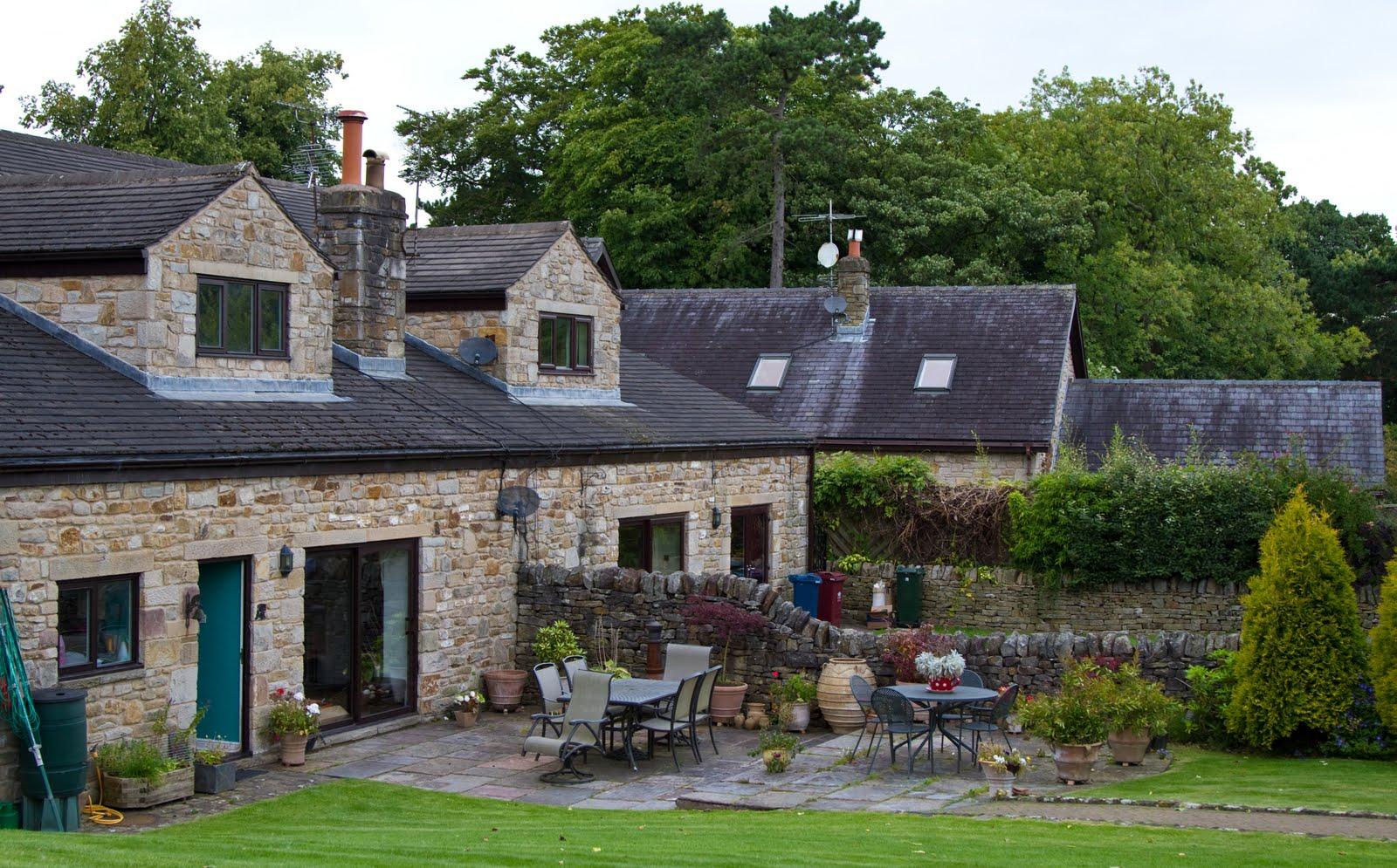 Beautiful Farm Houses Or Farmhouses Which Sprawl
