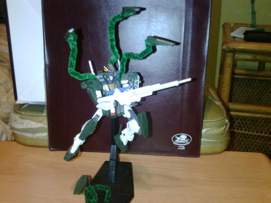http://4.bp.blogspot.com/_UVRoF5dMi7U/TUdL7PvtLzI/AAAAAAAAg98/XPkpq_sJNpI/s1600/Dennis+Cardenas+-+Cherdium+Gundam+-+01.jpg
