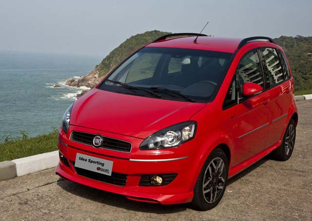 Fiat idea 2011 sporting 1 8 16v espa o conforto e for Amortiguadores fiat idea 1 8