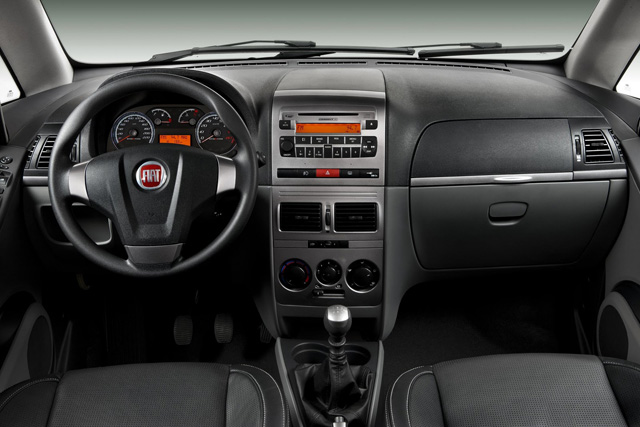 Fiat idea 2011 sporting 1 8 16v espa o conforto e for Ficha tecnica fiat idea adventure 1 8 2008