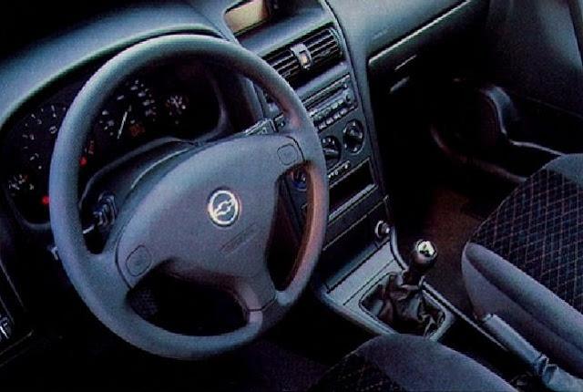 Chevrolet Astra Hatch 2001 3 Portas 1.8 MPFI - painel de instrumentos