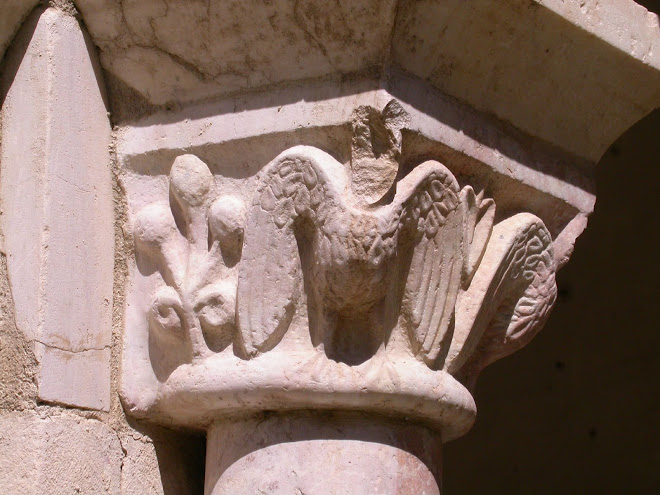 Abbazia Avril de Saint Genis :capitello stemma Federico II