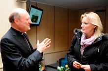 Monsignor Ravasi e la dssa Kathrin von Hohenstaufen , Ematologo