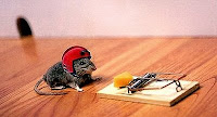 mouse preempts trap