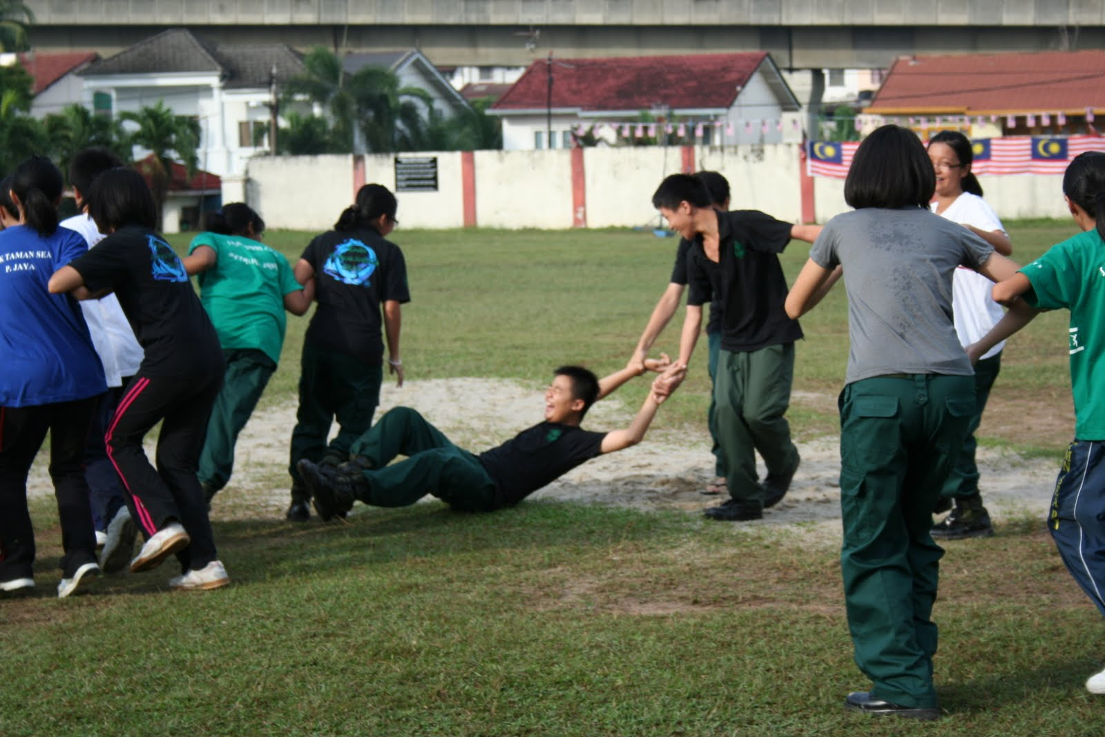 kadet remaja sekolah smk taman sea wrong examples of teamwork d you can do better guys