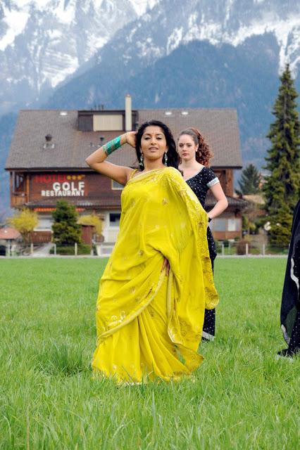 Pen Singam Meera Jasmine and Uday Kiran Stills 4