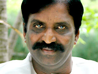 Vairamuthu voices for Pen Singam