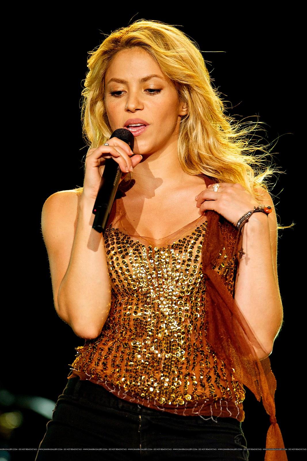 http://4.bp.blogspot.com/_Ua0EQ0c6zB0/TQYxMi0ZKBI/AAAAAAAAIgo/HibyaXXb-YU/s1600/2_RockRio_Shakira_060610.jpg