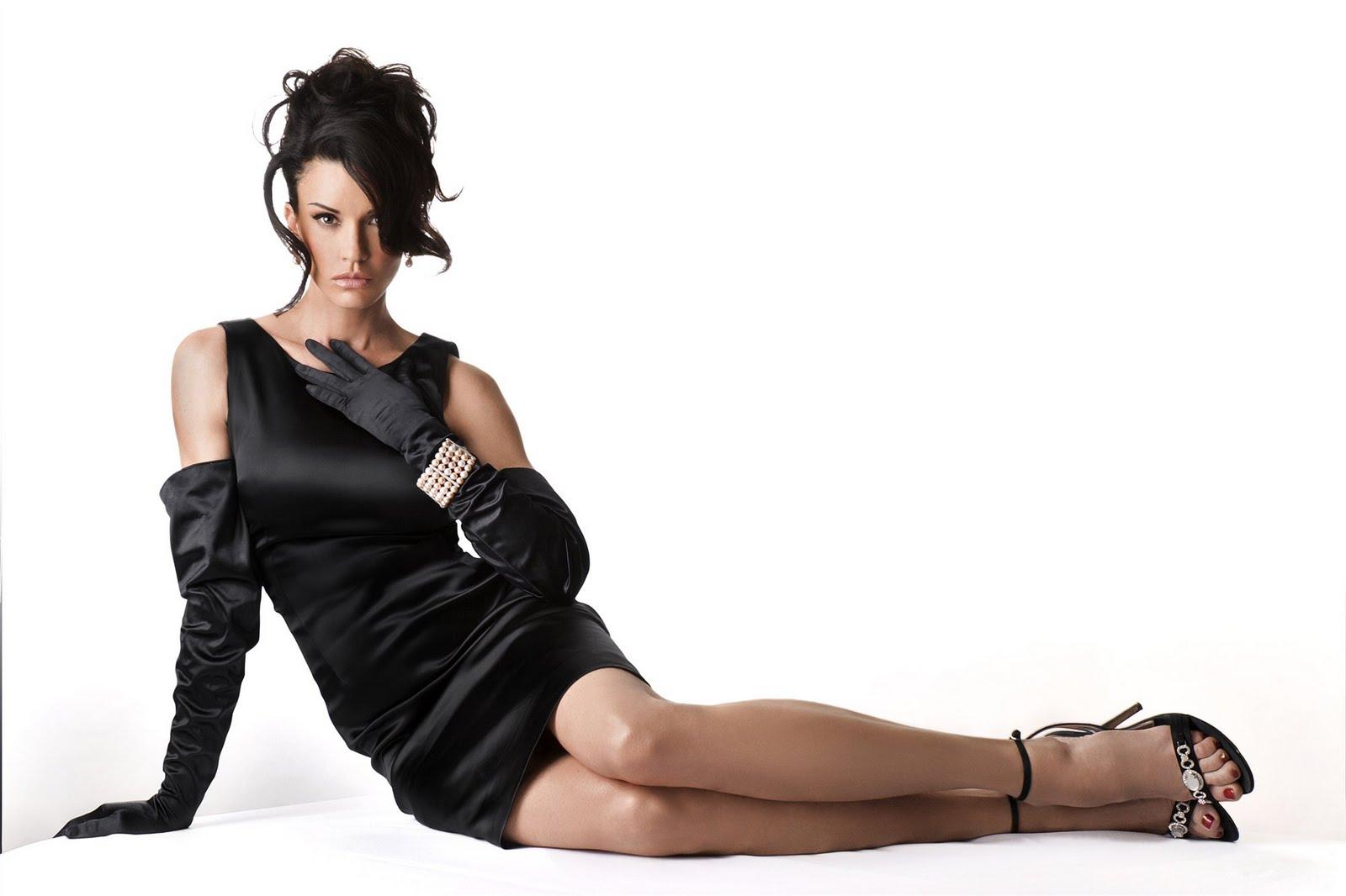 http://4.bp.blogspot.com/_UaLWp72nij4/S9X28dibNjI/AAAAAAAAIpw/ZjrKOeL6e80/s1600/janice-dickinson-feet.jpg