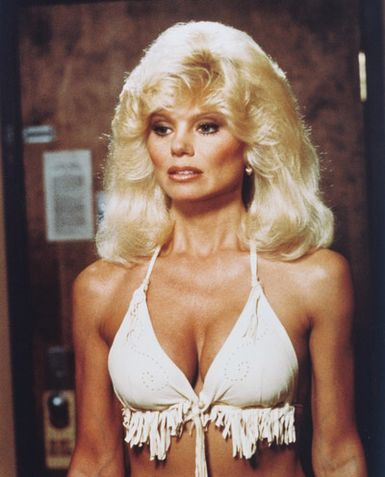 Loni Anderson Bra Size: 38C (After Breast Reduction)